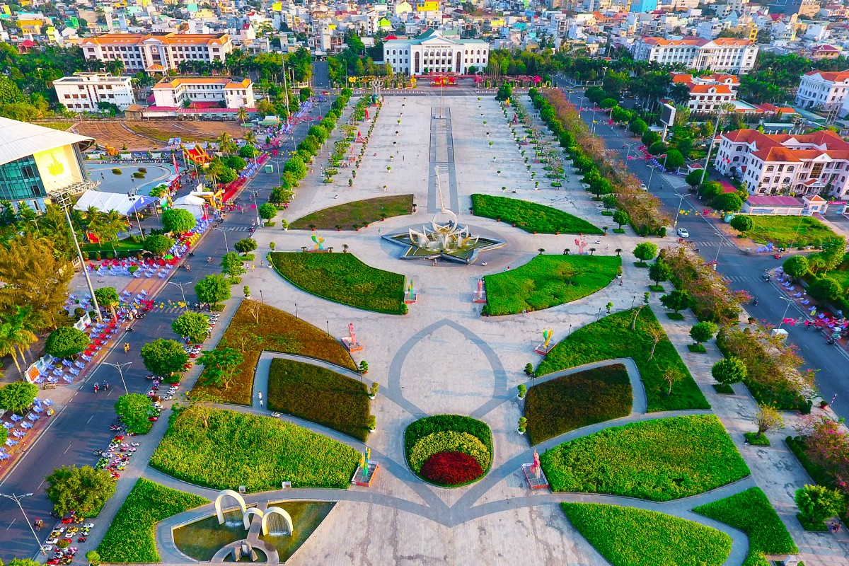 Hung Vuong Square