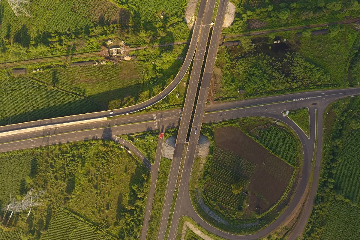 Drone way and the highway