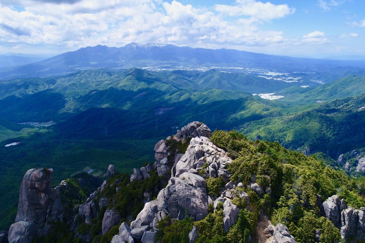 Top of Mt.Mizugaki and Yatsugatake Mountain Range