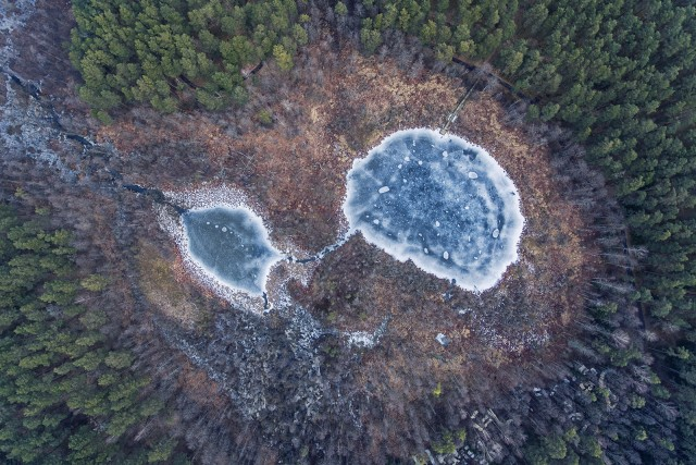 Eye shaped lake