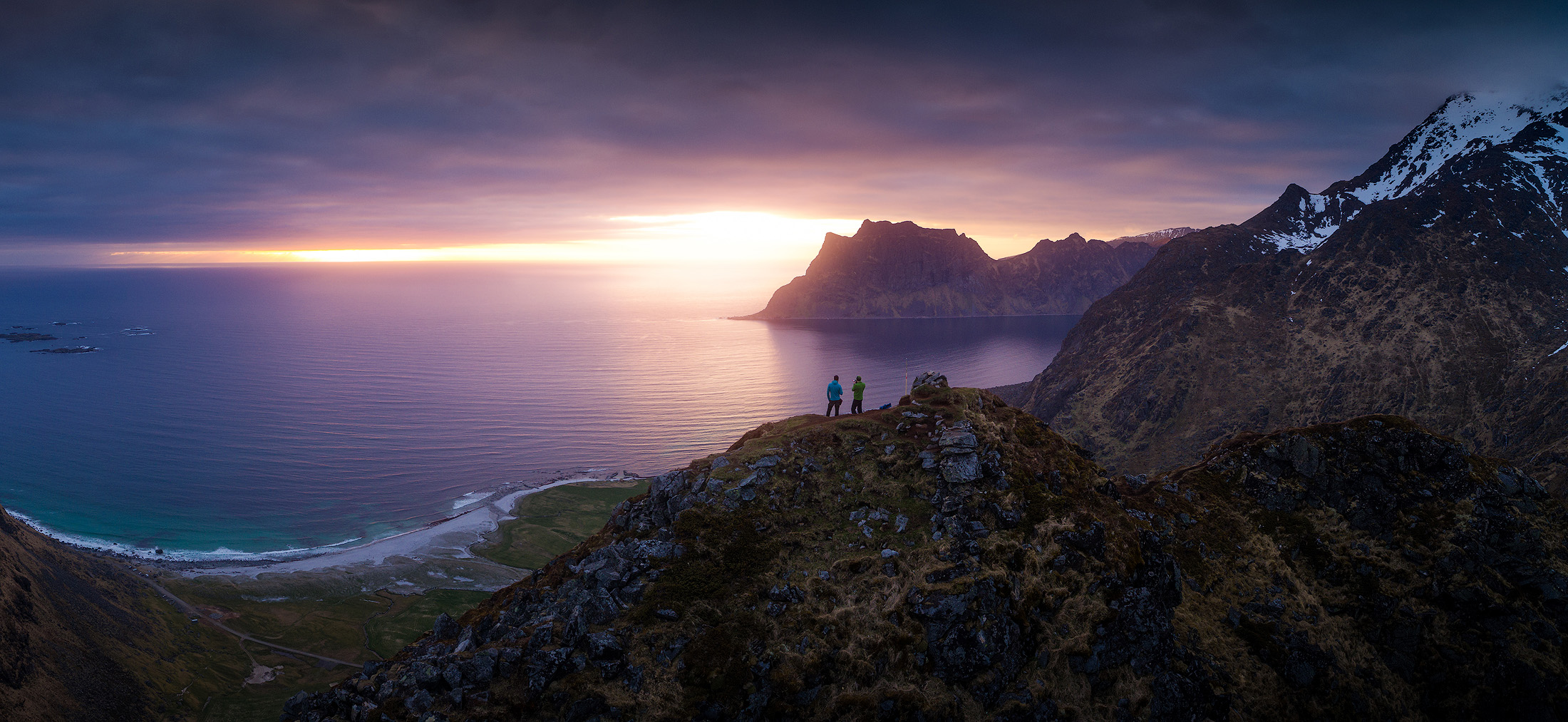 Hiking with the Midnight sun
