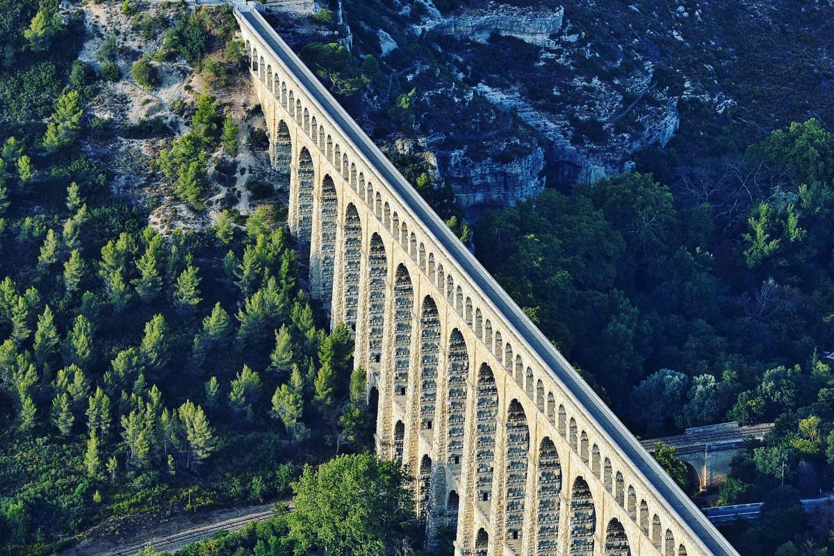 Water bridge in Aix en Provence