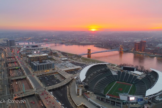 Sunrise over Cincinnati, Cincinnati, Ohio, USA