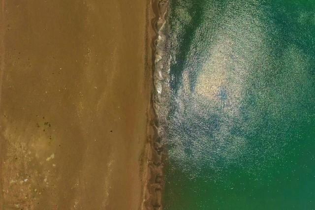 The beach meets the ocean