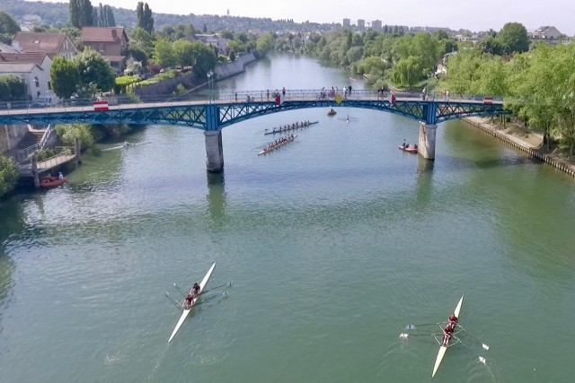 Fin de la course en double / End of rowing race