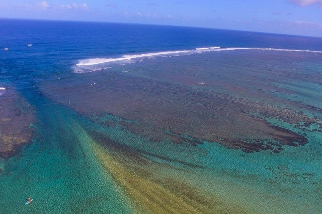 Barrier reef pass