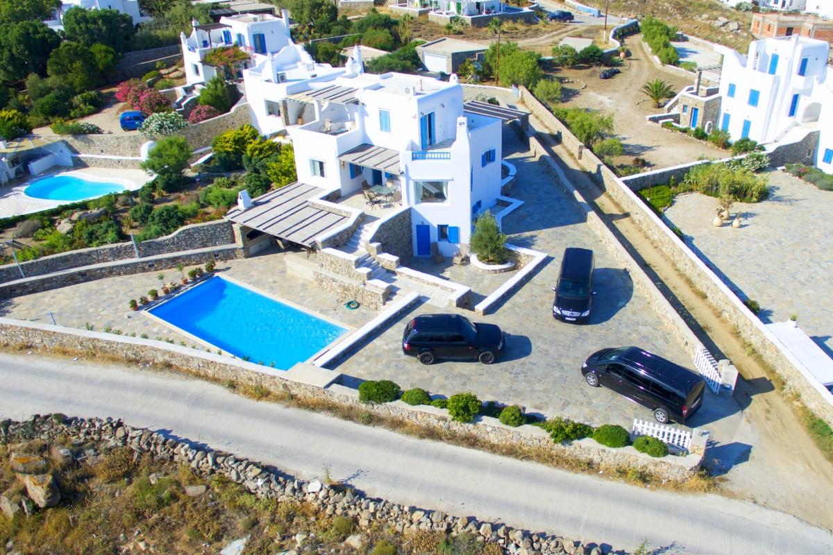 Mykonos Chauffeur & Villa Rentals