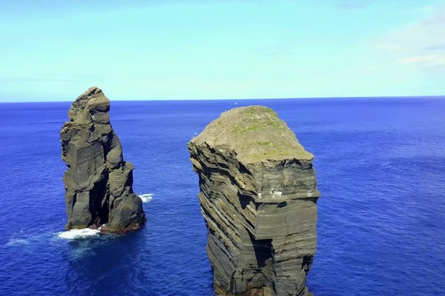 peak in atlantic ocean