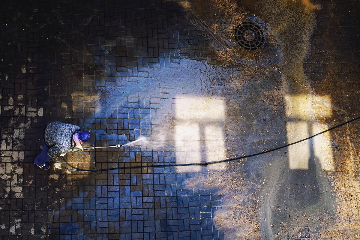 Washing windows =)