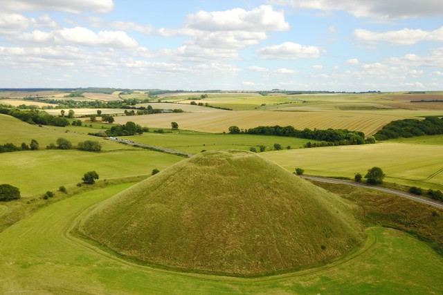 Silbury Hill, largest tomb in Europe – 2300 BC
