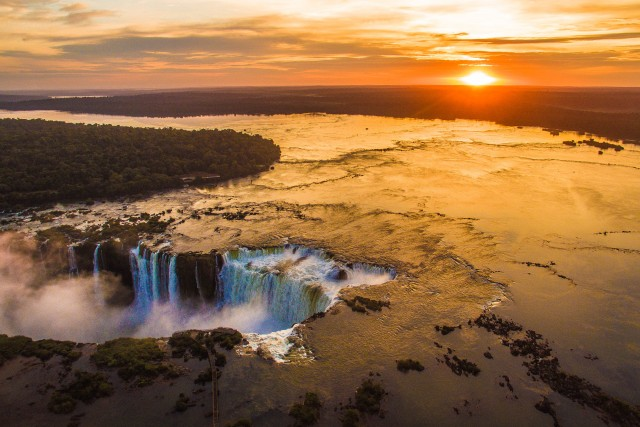 Sunrise at Cataratas del Iguazu – Iguazu Falls