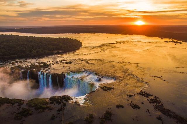 Sunrise at Cataratas del Iguazu – Iguazu Falls