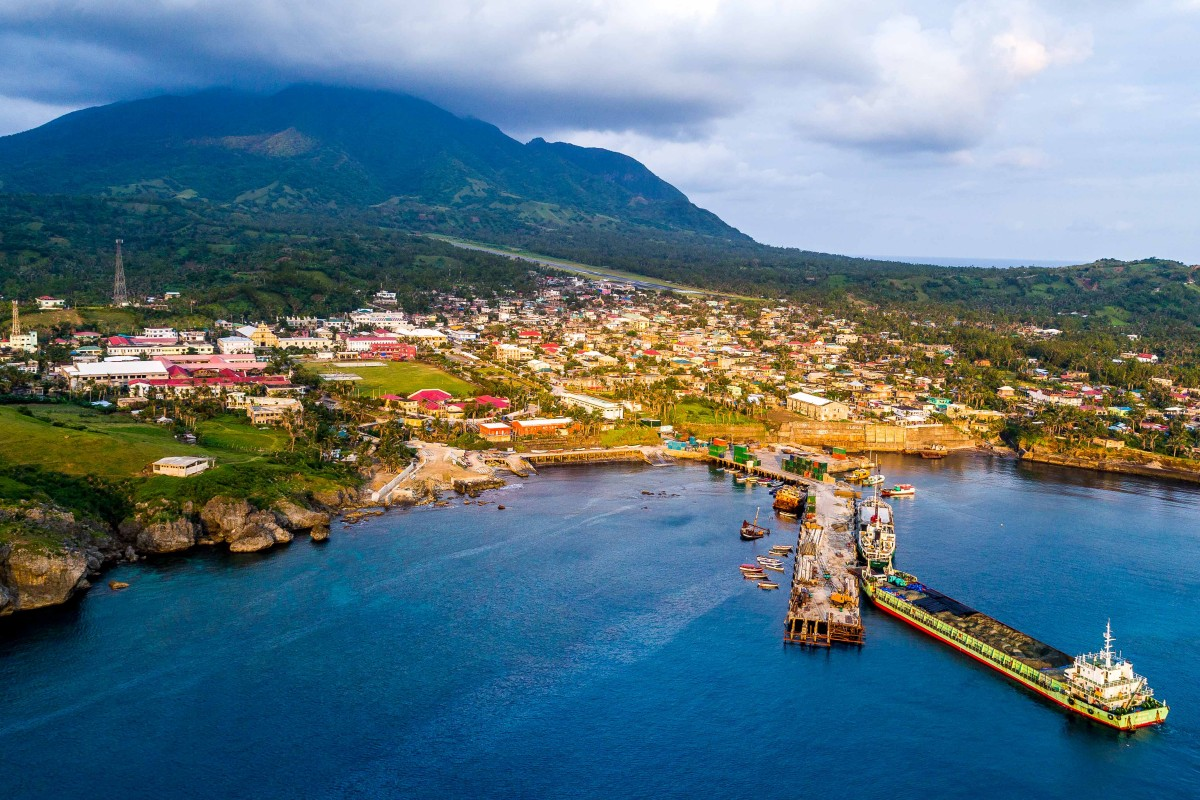 drone with video camera with Basco Batanes on Verdun Highway Ile Maurice Montagne Longue Scenery Peter Both Mauritius Mountain Ranges 3 in addition Meilleurs Drones Acheter Offrir 39829266 furthermore Assos Village In Cephalonia Greece furthermore Pokemon additionally File Caye Caulker Split Belize drone  20688794928.