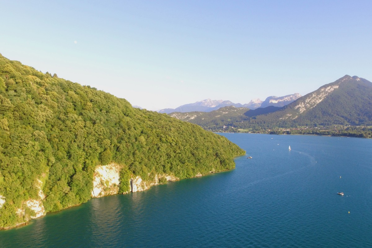 lac d annecy annecy lake haute savoie france dronestagram. Black Bedroom Furniture Sets. Home Design Ideas