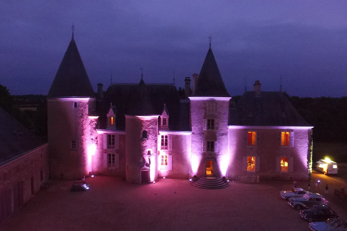 Chateau de Beaupuy la nuit  / Beaupuy Castle by night, Vienne, France