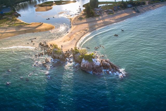 kemasik beach