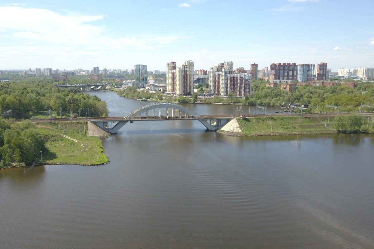 Bridge across the Moscow Canal.