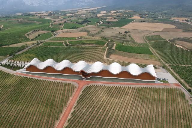 Bodega Ysios (designed by Calatrava), Laguardia, Spain