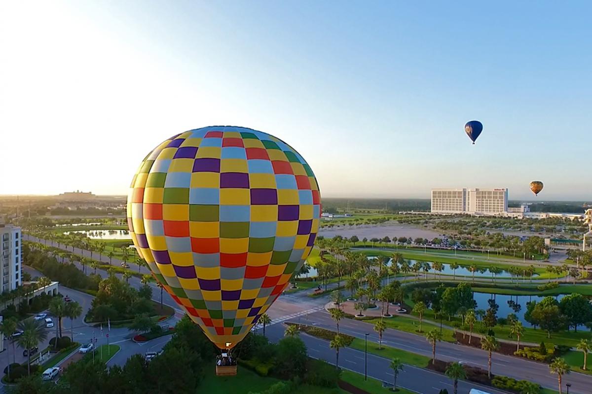 Hot Air Balloons Pinata