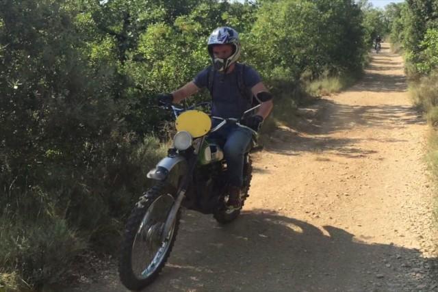 Enduro à l'ancienne en Ardèche vu du ciel – Oldman's Motocycle in Ardèche from sky