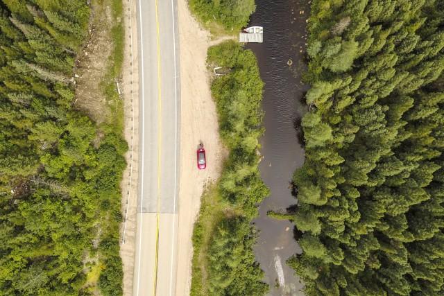 Pause sur une route au Canada