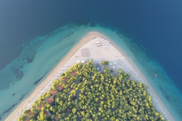 Presqu'île grecque sur l'île d'Eubée