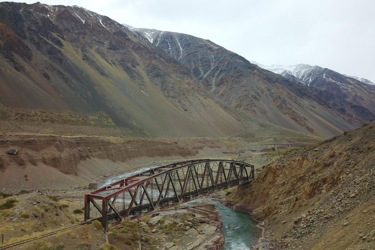 El puente del medio de la nada