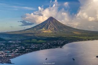 Mayon Volcano, Legazpi, Albay, Philippines