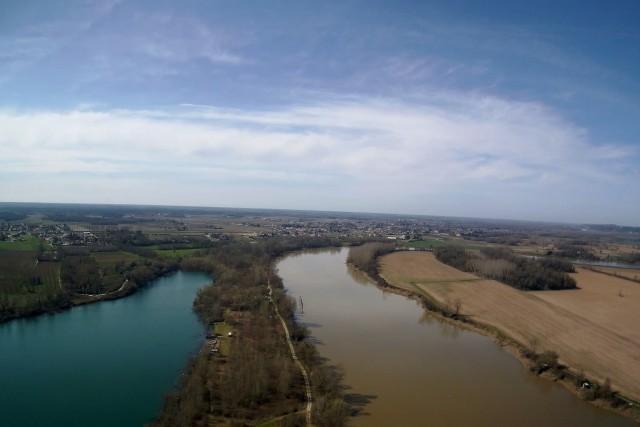 Arbanats between Garonne & lake