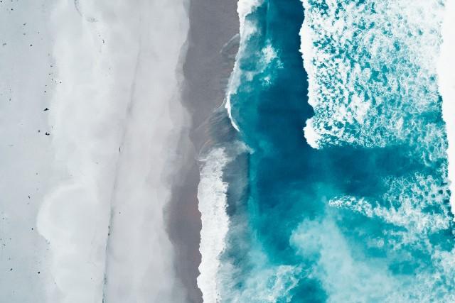 Blue Waves in Ben Boyd National Park