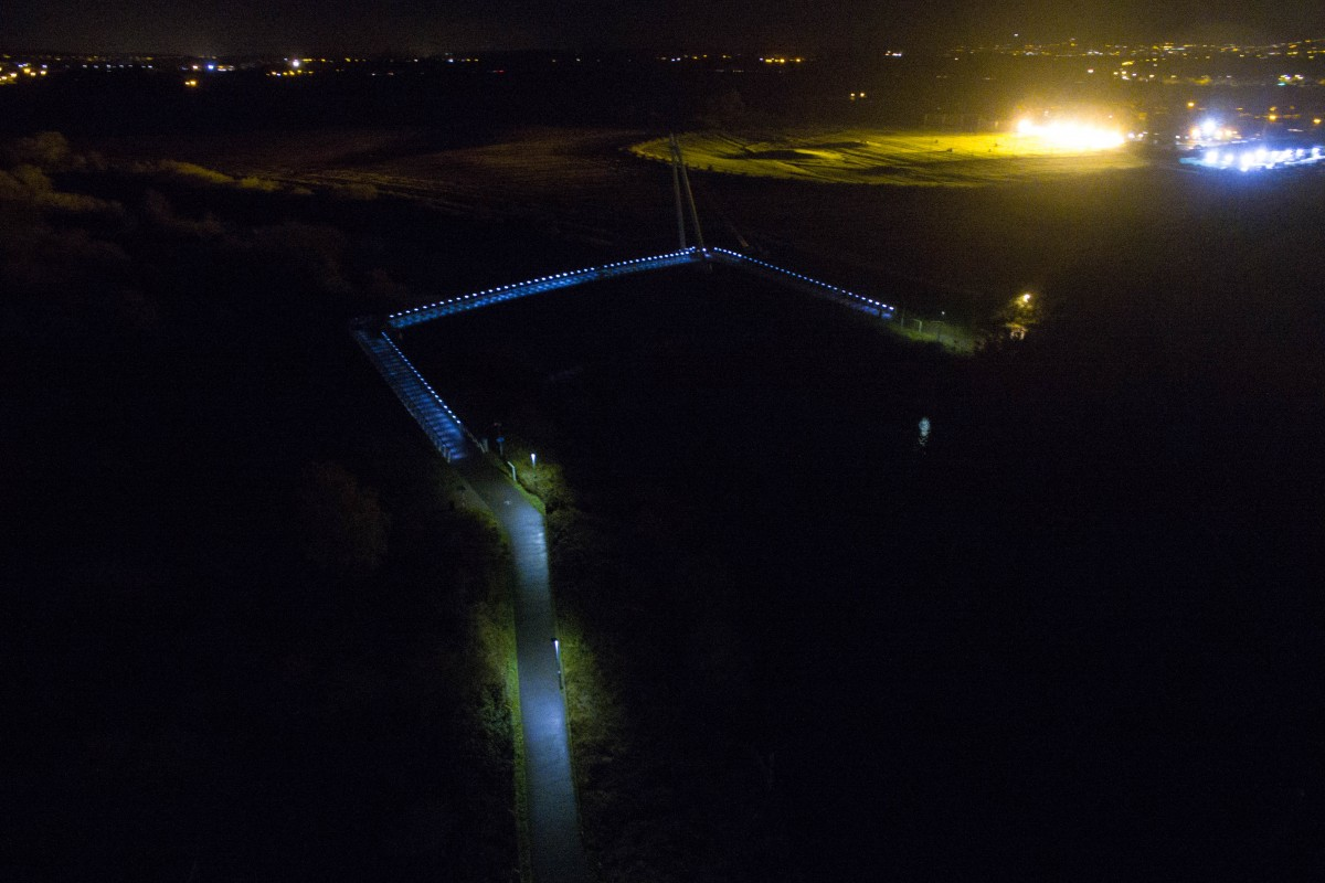 Diglis locke and bridge at night