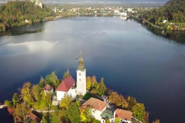 Eslovenia en otoño a vista de Dron
