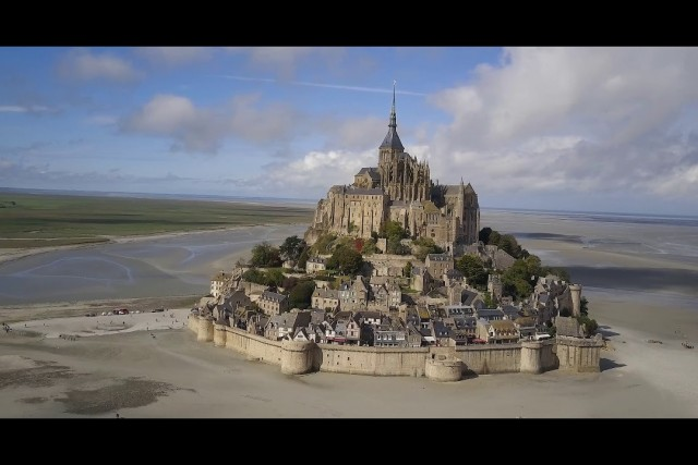VF Petite Cuts #2 – Arromanches & Mont St-Michel, Normandy, France