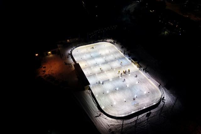 Hockey by night