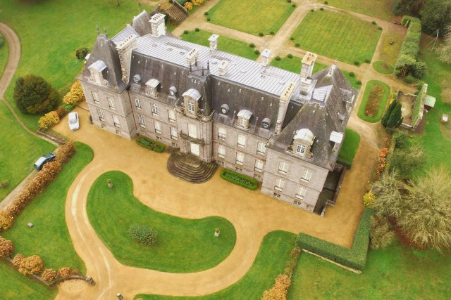 Castle in Brittany / Chateau en Bretagne