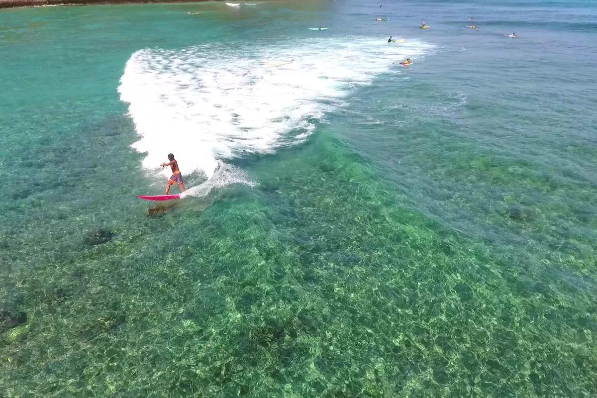 Senggigi surfing