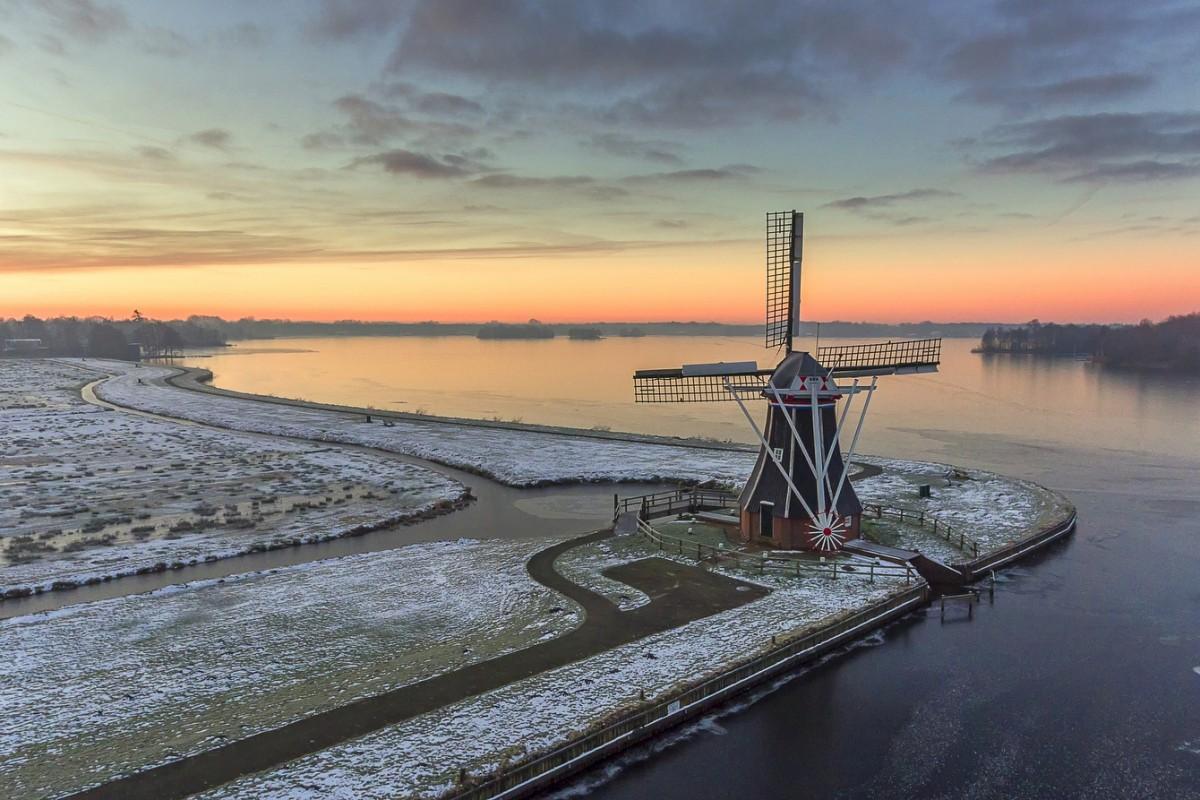 Windmill The Helper 1863