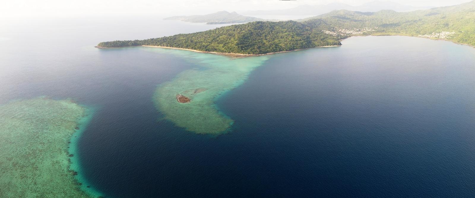 Baie de Kani à Mayotte double barrière récifale