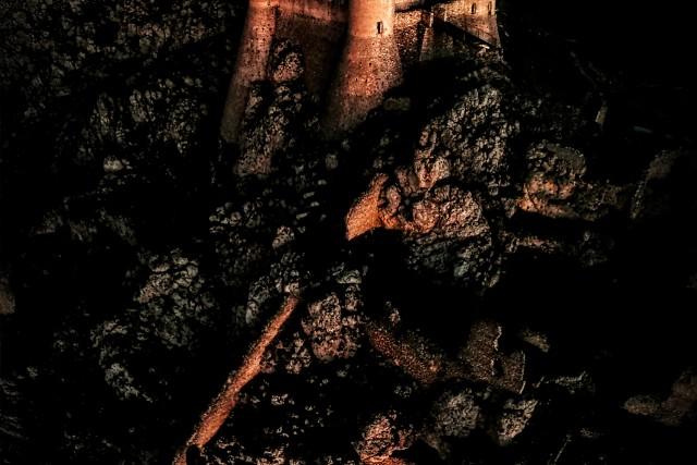 Black Morning – Rocca Calascio (L'Aquila) italy