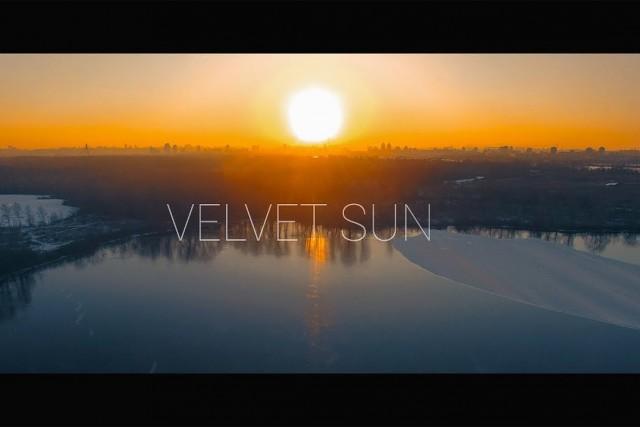 VELVET SUN