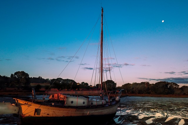 Abandoned Yacht on the Stour by Sunrise