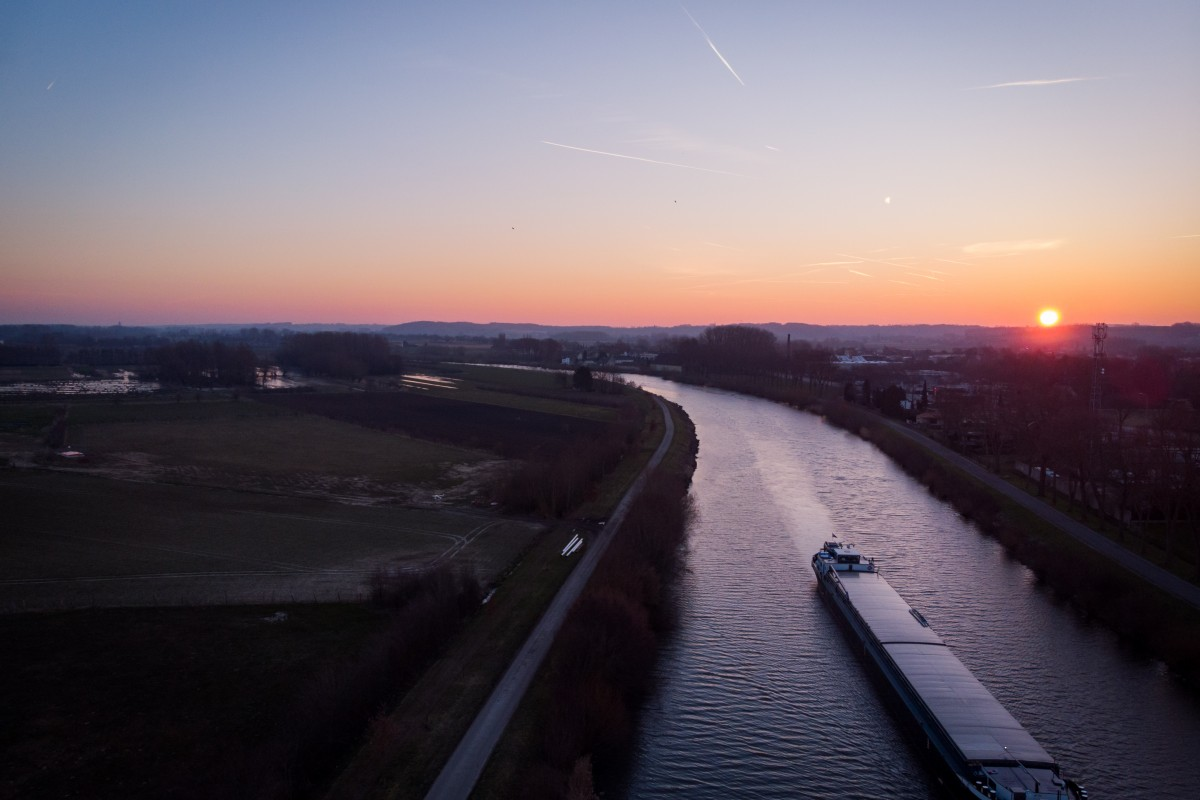 Sunrise at Schelde river in Kluisbergen