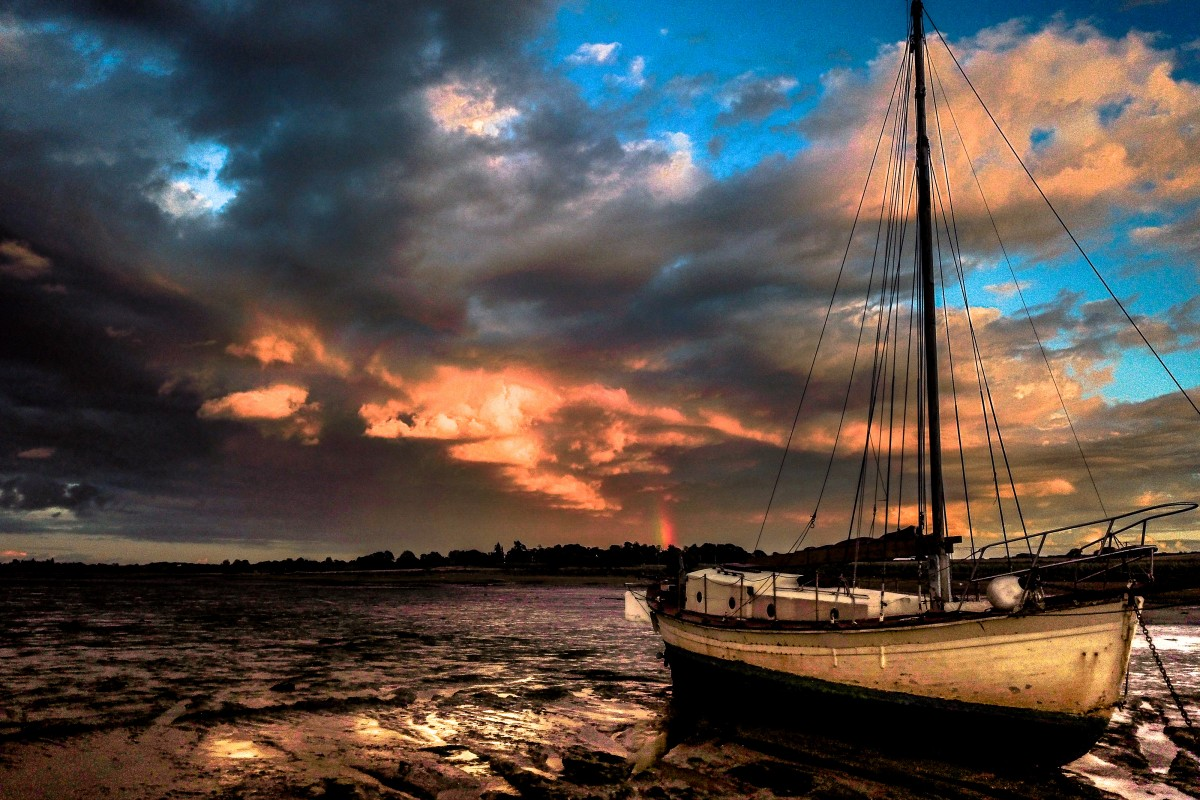 Abandoned Yacht on the Stour by Fire and Rainbows