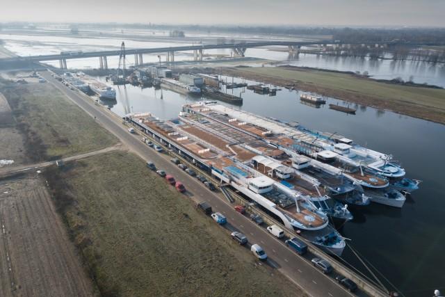 Cruiseships waiting for the summerseason