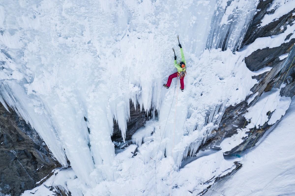 Ice climbing master