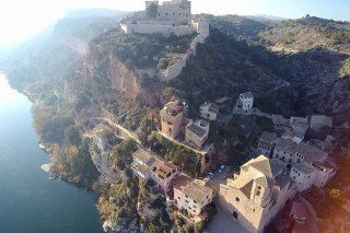 The best shots of Miravet from the air