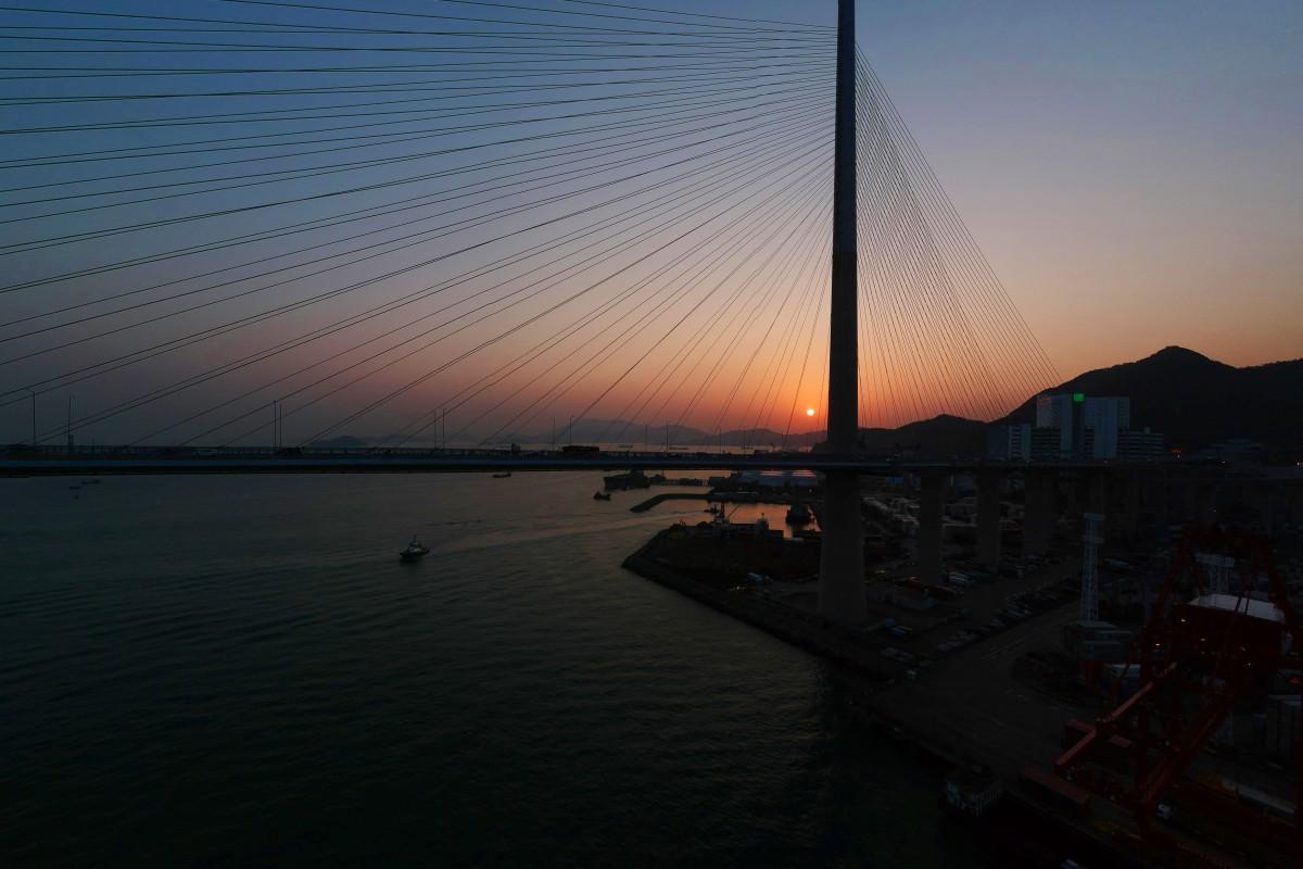 Sunset at Stonecutters Bridge, Hong Kong