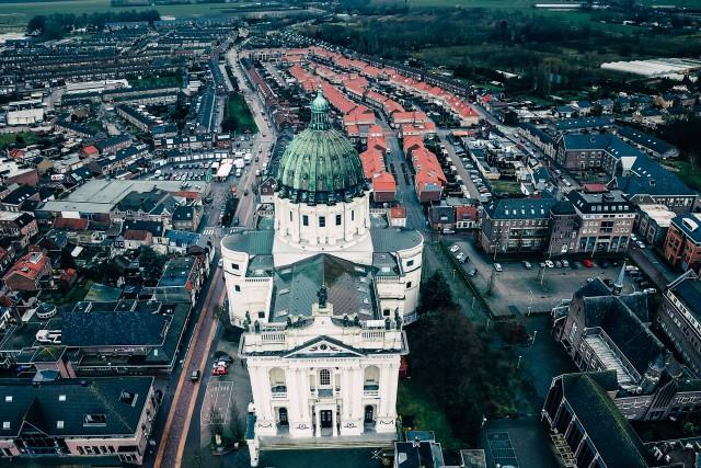 Basilica of Sts Agatha and Barbara, Oudenbosch