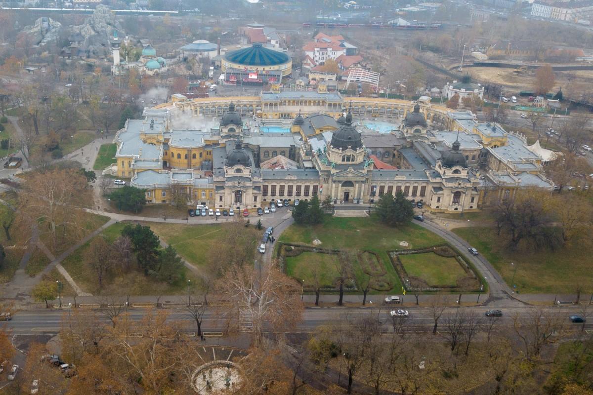 Széchenyi Thermal Bath & Budapest Zoo