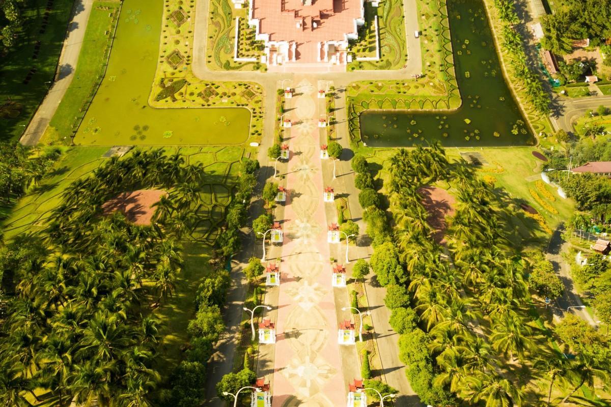 Thai Temple flatland-inception style